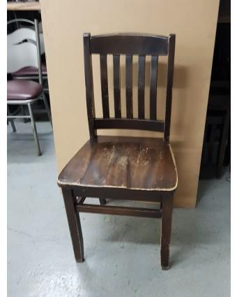 Chaise en bois (usagée)