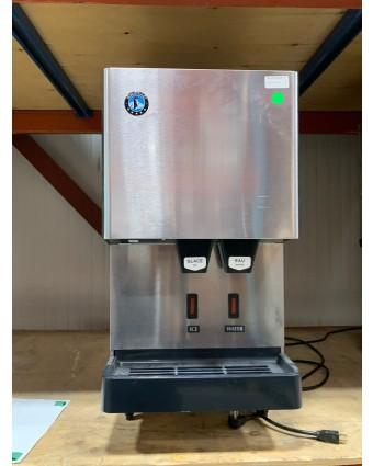 Machine et distributeur à glaçons et à eau - 288 lb (endommagée)