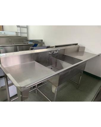 Évier double avec table de lavage de chaque côté (usagé)