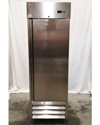 Réfrigérateur une porte pleine 23 pi³ (endommagé)