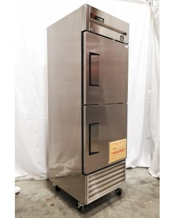 Réfrigérateur deux demi-portes pleines 23 pi³ (endommagé)