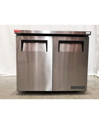 """Réfrigérateur sous-comptoir deux portes pleines 8,5 pi³ - Roues de 1,5"""" (endommagé)"""