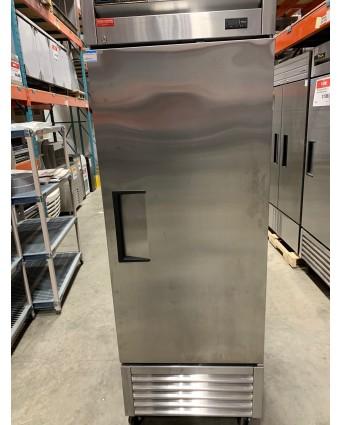 Réfrigérateur une porte pleine (usagé)