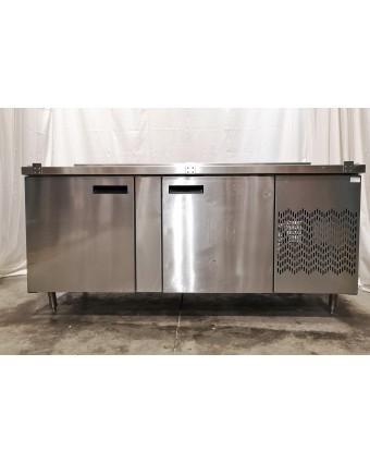 Réfrigérateur sous-comptoir deux portes pleines avec dosseret (usagé)