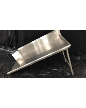 Table à vaisselle propre (usagée)