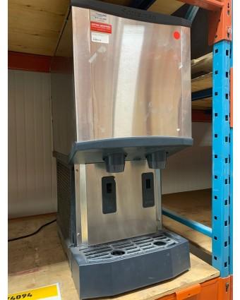 Machine et distributeur à glaçons et à eau Meridian (usagée)