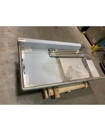 Table à vaisselle souillée (usagée)
