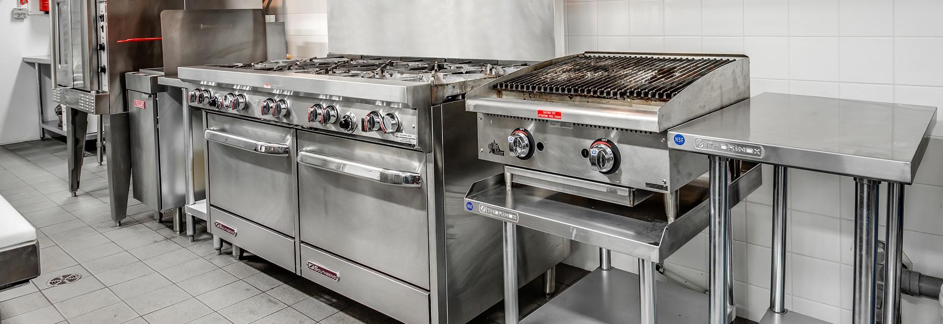 Cuisinières au gaz et électriques de calibre commercial