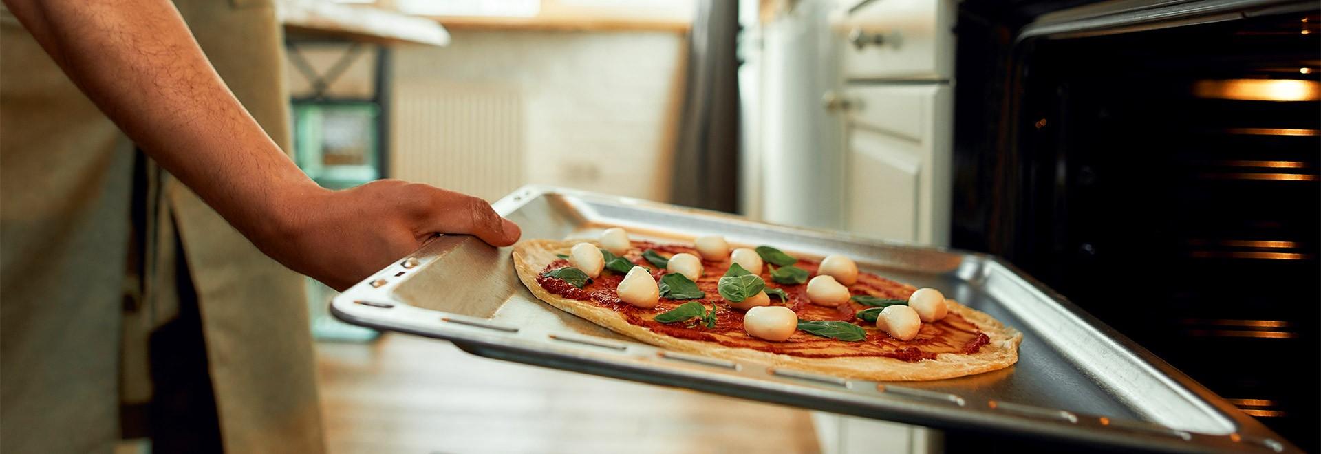 Tôle ou pierre à pizza, faites votre choix!