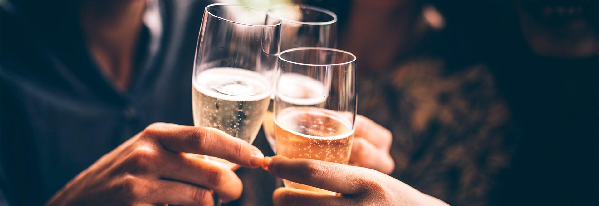 Coupes, flûtes et verres à champagne : tout est dans la forme